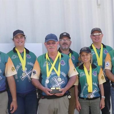 Mosselbaai-skuts palm ses goue medaljes in by Kaapstad