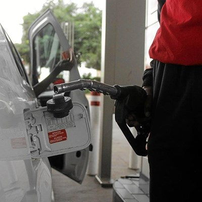 Rand hit threatens fuel price - AA