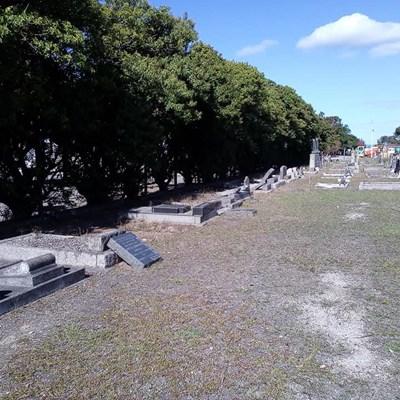 Volunteers revamp historical graveyard