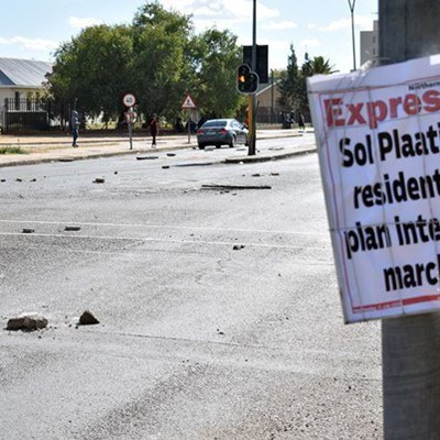Library nearly burnt down during violent Kimberley protests