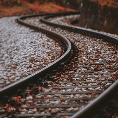 Verdagtes vas vir treinspoor-moord