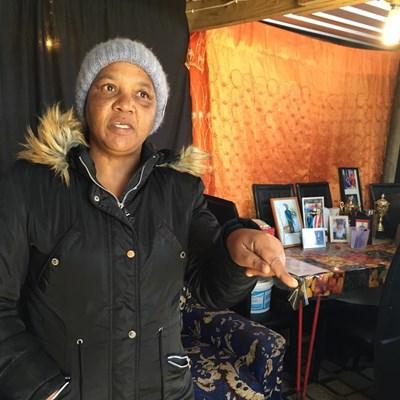 Lorraine al 21 jaar op behuisingswaglys