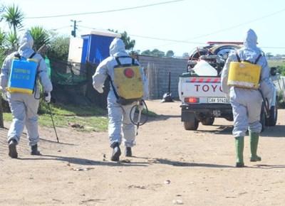 Covid-19: Ontsmettingsaksie in Syferfontein