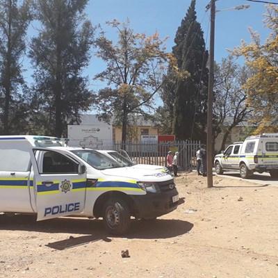 Polisie by skool vir veiligheid