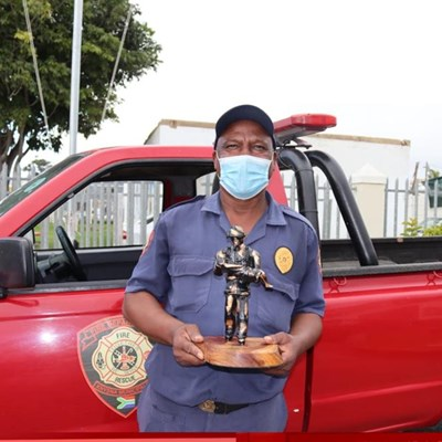 Veteran firefighter bows out in Knysna