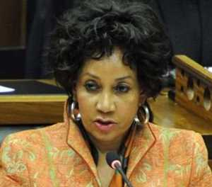 Sisulu issues diplomatic démarche to Australia over white SA farmers' visas
