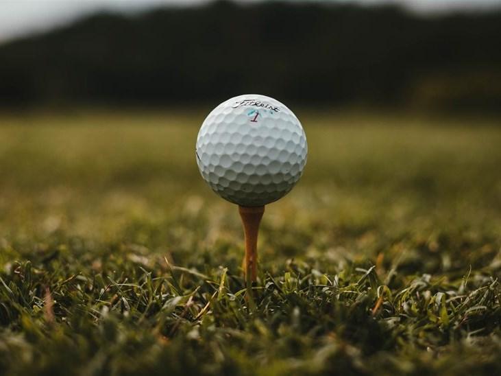 Golfers undeterred by heat