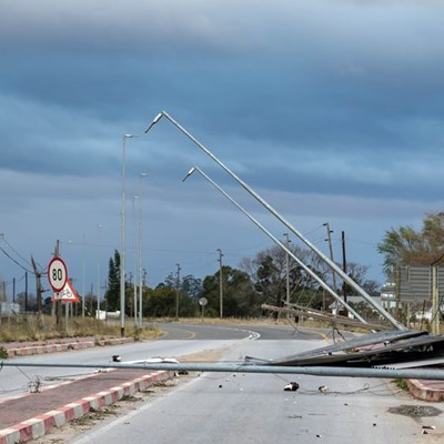 Strong winds cause havoc – more bad weather to come