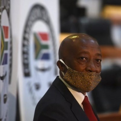 Bain 'fed info by Sars official to advise Moyane'