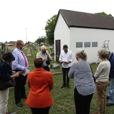 Heritage plaques awarded to graveyard