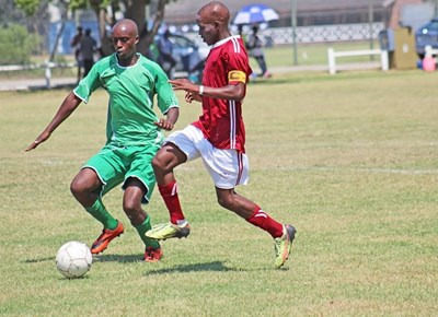 Smuts holds off Red Eagles in KLFA