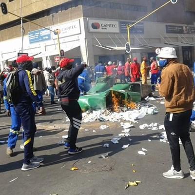 Tshwane gets interdict against Samwu protesting workers