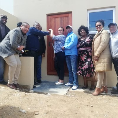 Houses handed over in Bloem and Karatara