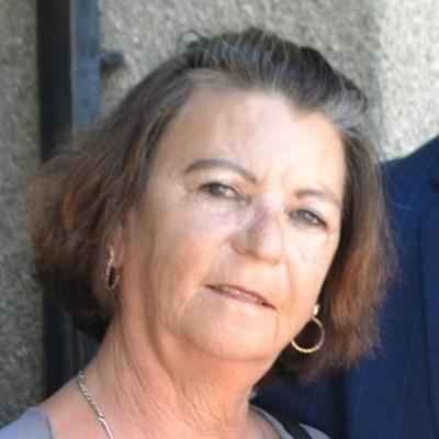 Vrou in hof na sy borgvoorwaardes verbreek