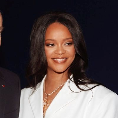 Here's why Rihanna's Muslim fans are calling her out
