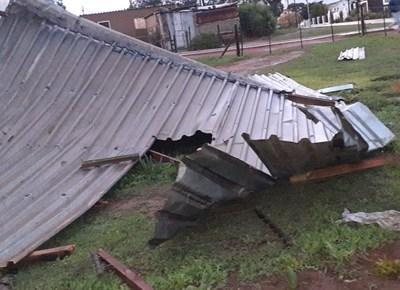 Stormwinde waai dak tweede keer af