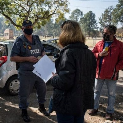 Cops put out smokers' fire, but court cases proceed