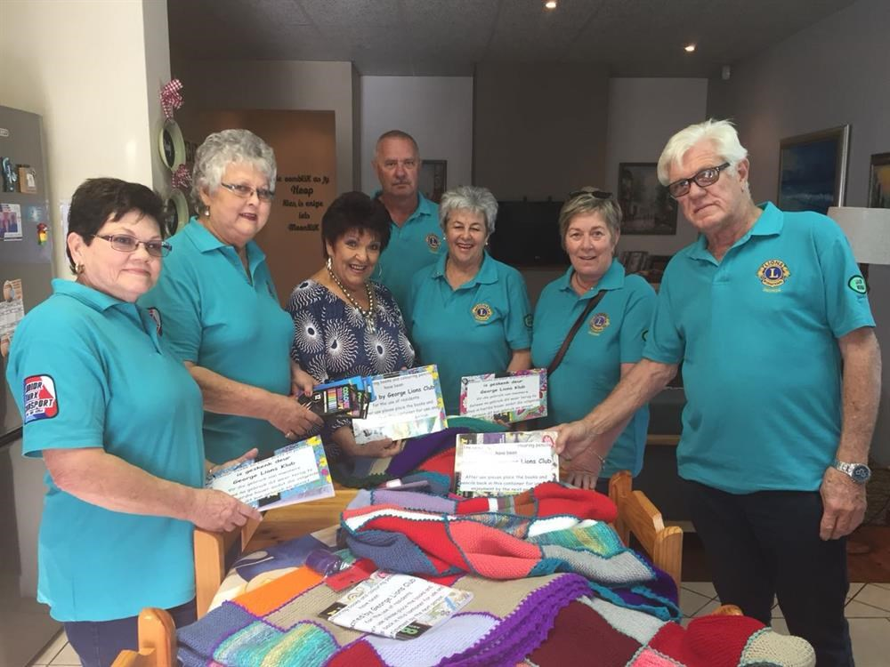 Lions donate to Cansa Care House