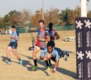 Oud-Mosselbaaier woel steeds op die rugbyveld