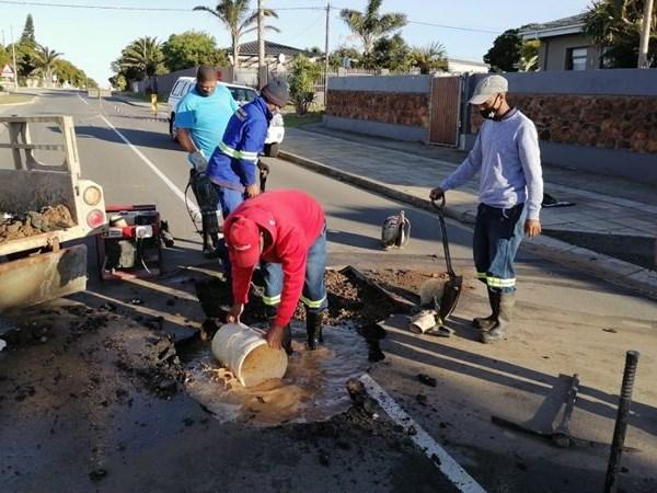 Waterlek in Da Gama straat