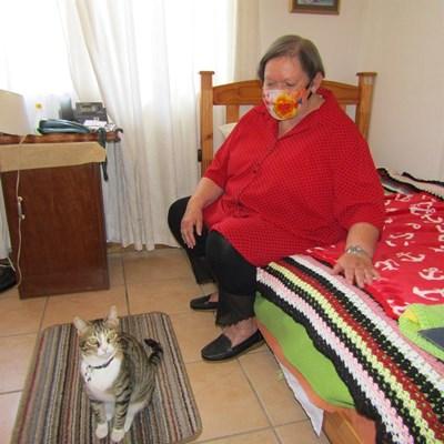 Kat kry nuwe tuiste by bejaarde inwoners