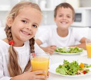 Ways to encourage healthy eating habits in childhood