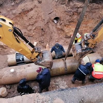 Weather delays repairs at Genevafontein pipe burst