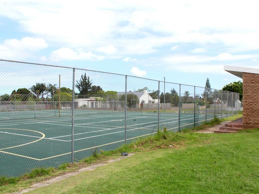 From tennis court to multi-sport facility