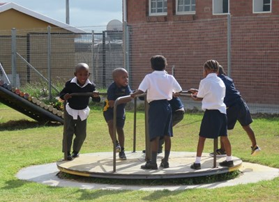 Thembalethu Primary welcomes Gr 1 learners