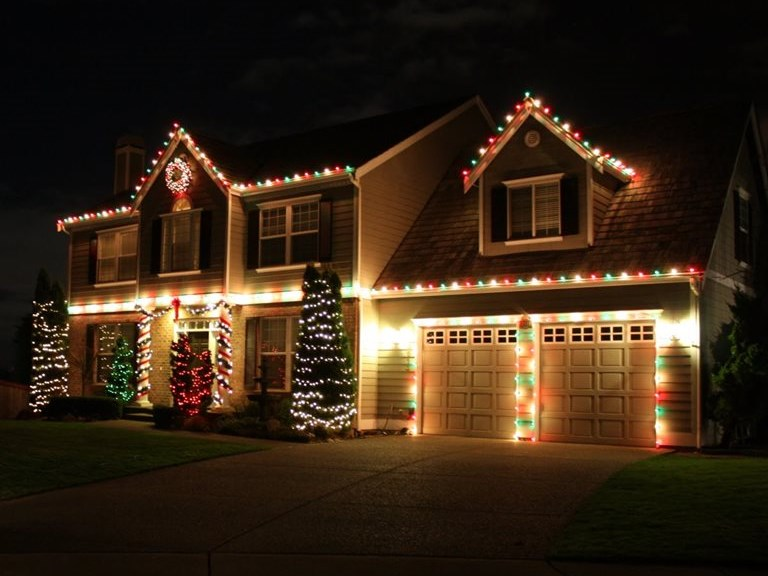Calling all Christmas crazies and their lights