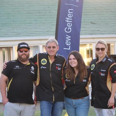 Supporters lead business bowls