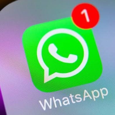 WhatsApp tests self-destructing messages