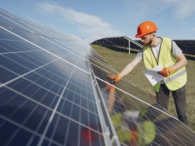 The cost benefits of solar power