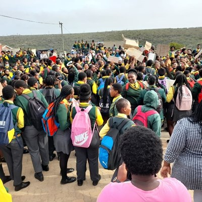 Indwe parents, learners protest