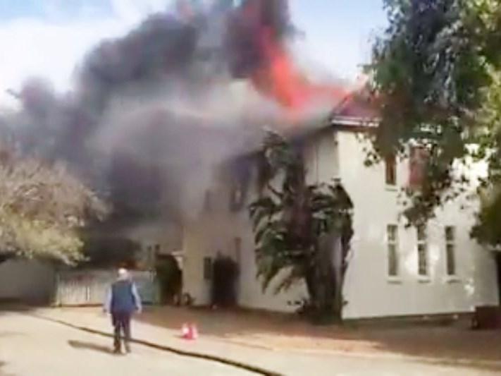 Hulp benodig na koshuis afbrand