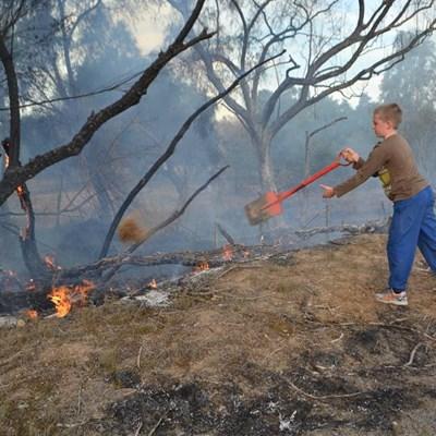 Kinders voorkom dat brand versprei
