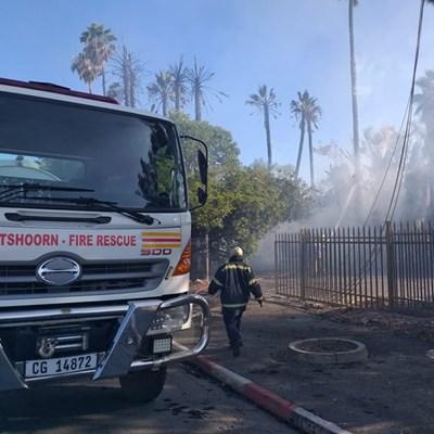 2 geboue ly skade in brand