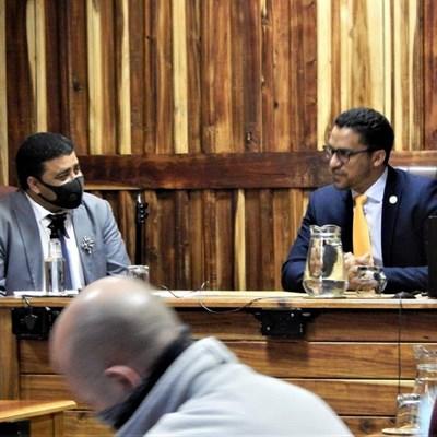 Minister Simmers besoek Hessequa