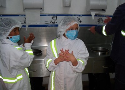 Exciting factory tour for Mossel Bay girls