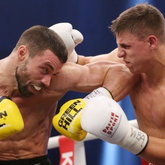 Zeuge defends WBA 'regular' belt.