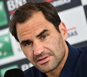 Federer becomes oldest Wimbledon quarter-finalist in modern era