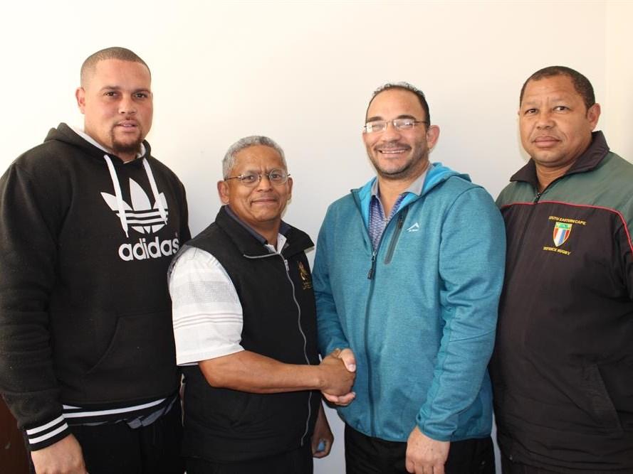 Munisipale-rugbyligatoernooi skop af