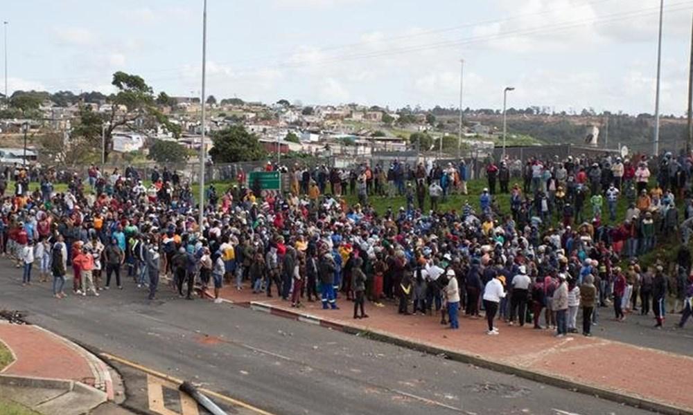 Plett riots on hold