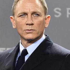 Daniel Craig confirms he'll play James Bond again