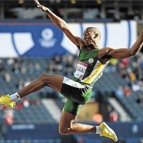 Samaai carries SA jumpers in Birmingham