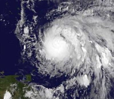 Hurricane Maria 'devastates' Dominica