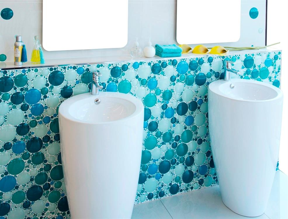 Stylish Bathroom Accessories That Save Water