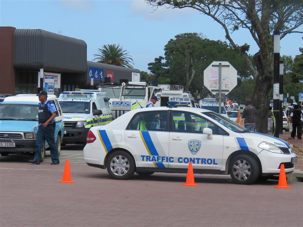 Police operation at taxi rank | George Herald