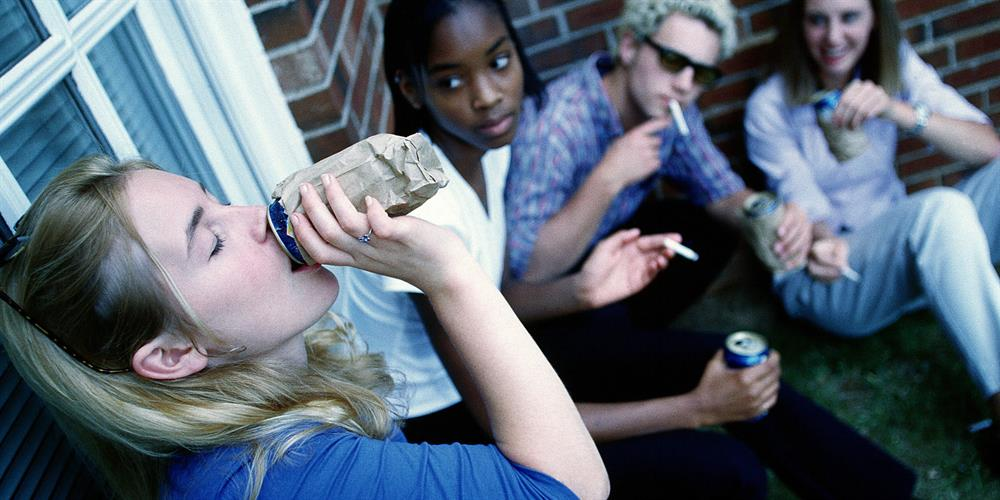 the problem of drug abuse among american teenagers
