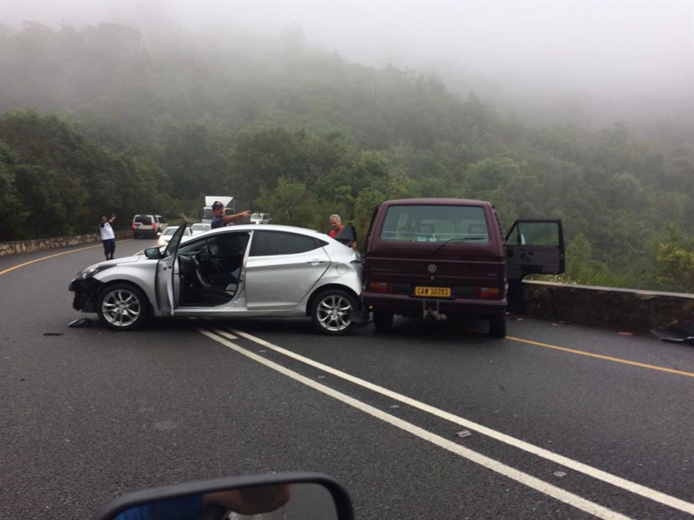 die ongeluk 4 dagen geleden  de vrachtwagenchauffeur die gisterochtend overleed na het zware ongeval op  de brusselse buitenring, is mario dos santos (50) uit brugge.